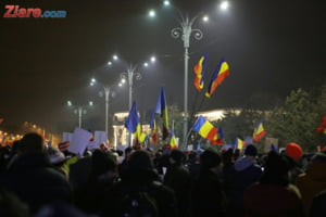 Guvernul a decis sa abroge ordonanta, strada nu renunta. In Piata Victoriei este asteptat azi cel mai mare protest