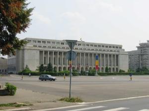 Guvernul accepta 73 din 1067 amendamente la doua legi