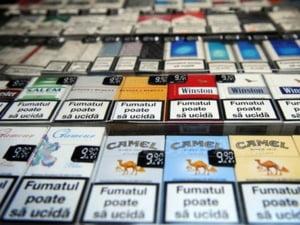 Guvernul introduce limite cantitative de alcool si tutun vandut duty-free
