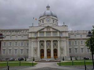 Guvernul irlandez va garanta toate depozitele bancare pe o perioda de doi ani