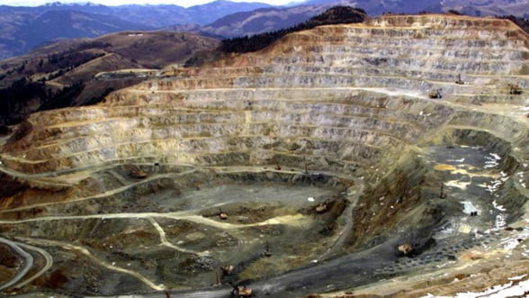 Guvernul negociaza cresterea participatiei la Rosia Montana si marirea redeventei