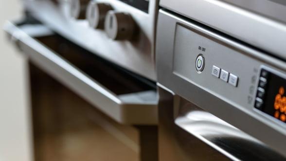 Guvernul ofera 60.000 de vouchere in valoare totala de 20 de milioane de lei pentru frigidere, masini de spalat si aer conditionat