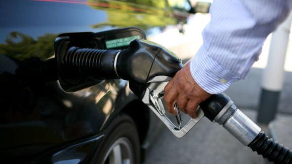 Guvernul pregateste marirea accizelor la carburanti cu 16-21% din ianuarie 2014
