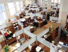 Guvernul se pregateste de concedieri masive in aparatul bugetar: Unul munceste si trei pe langa el stau