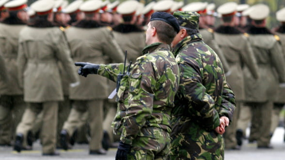 Guvernul sterge datoriile fabricilor de armament