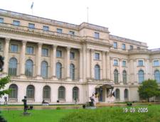 Guvernul vrea o descentralizare fulger
