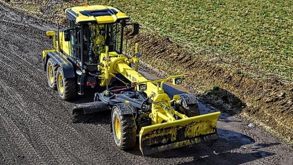 HBM-NOBAS BG120 TA-6 (6X6) - un autogreder perfect pentru constructia de drumuri