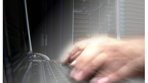 Hackeri de la Anonymous au atacat site-uri oficiale mexicane