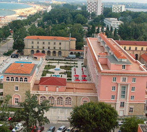 Hagi a obtinut 1,2 mil euro din fonduri UE pentru modernizarea hotelului Iaki