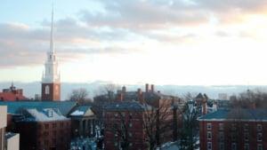 Harvard renunta la studenti din cauza postarilor de pe Facebook