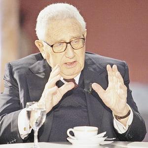 """Henry Kissinger:""""Cred ca Romania este intr-o perioada de mari sperante"""""""