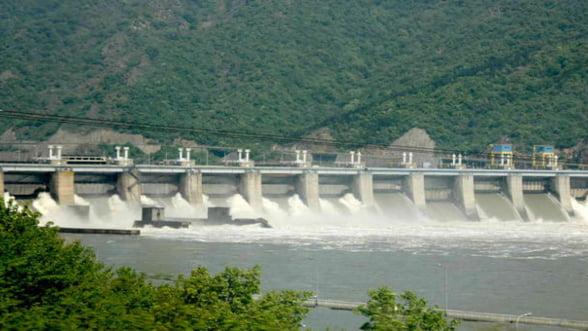 Hidroelectrica a inceput sa faca bani