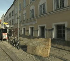 """Hitler s-a intors in orasul sau natal? Politia din Austria cauta """"dublura"""" care se tine de glume"""
