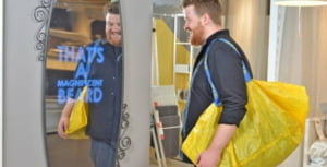 IKEA lanseaza oglinda care iti face complimente