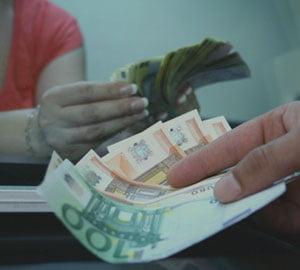 ING: Cursul va ajunge pana la 4,5 lei/euro, in 6 luni