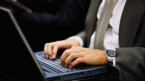 INS: Peste 73% dintre gospodariile din mediul urban au acces la internet, in 2013