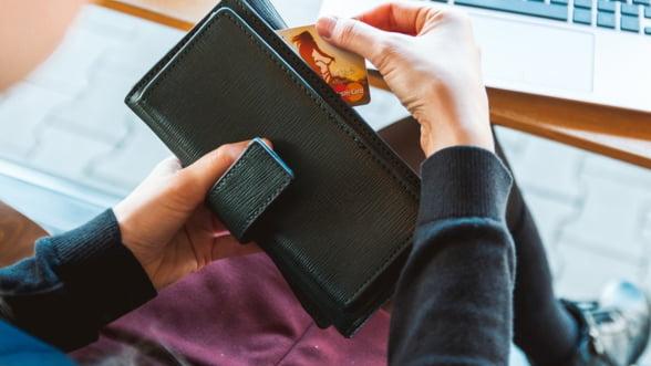 INS: Salariile au scazut in ianuarie, inflatia continua sa creasca