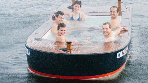 Ia-ti prietenii si relaxati-va in barca Hot Tub