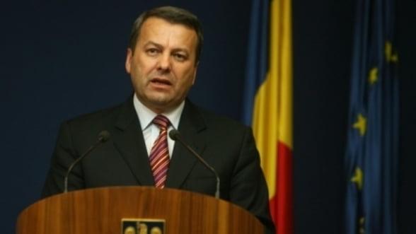 Ialomitianu: Cheltuielile cu pensiile si salarile in 2012 vor fi la nivelul lui 2011