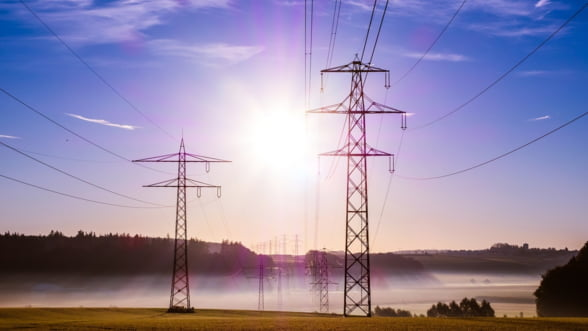 Importul de electricitate reprezinta principala sursa de alimentare cu energie a tarii, vineri la pranz