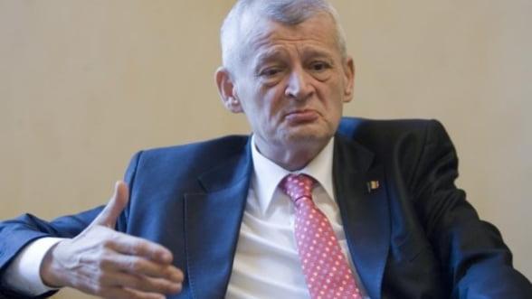 Imprumutul de 800 milioane de euro dorit de Oprescu, respins din nou de consilieri