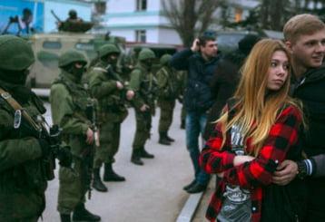 In Crimeea se traieste doar cu banu' jos!