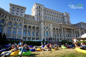 In acest weekend se anunta peste 35.000 de oameni la Palatul Parlamentului - Wine and Street Food Festival