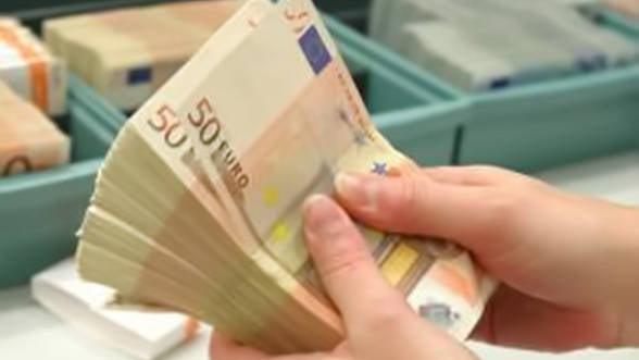 In loc sa acorde credite, bancile isi tin banii in depozite la BCE