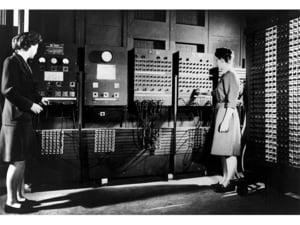 In urma cu 70 de ani, lumea facea cunostinta cu primul calculator pentru uz general, ENIAC