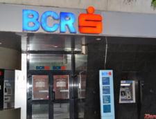 In zeci de sucursale ale BCR nu se vor mai putea face tranzactii cash