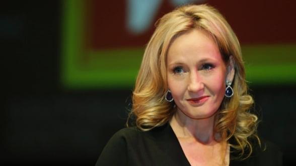 Inca o carte semnata de J.K. Rowling va fi transformata intr-o trilogie de filme