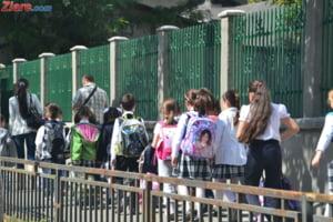 Incepe scoala: Pentru peste 3 milioane de elevi si prescolari luni suna clopotelul