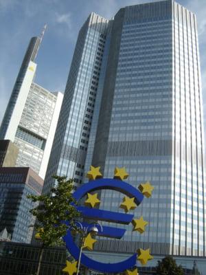 Incetinirea cresterii economice din zona euro prinde viteza odata cu accentuarea inflatiei