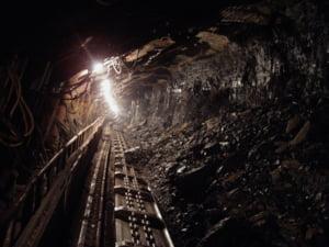 Incident grav la Mina Livezeni din Hunedoara. S-a activat Planul Rosu de interventie. Mai multi mineri, intoxicati cu fum si gaze toxice