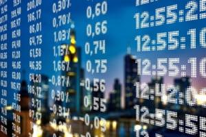 Indicii bursieri de pe Wall Street au inchis luni la niveluri record, sustinuti de date economice pozitive in SUA