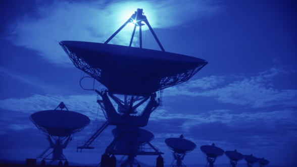 Industria telecom fierbe: incepe licitatia pentru licente de telefonie mobila