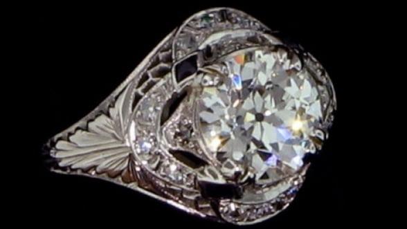 Inelul de logodna oferit de Napoleon, scos la licitatie cu 12.000 de euro
