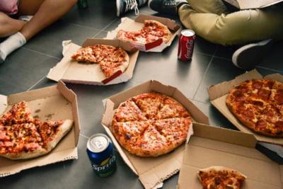 Inspectorii fiscali din Indonezia, recompensati cu pizza pentru ca si-au atins obiectivele