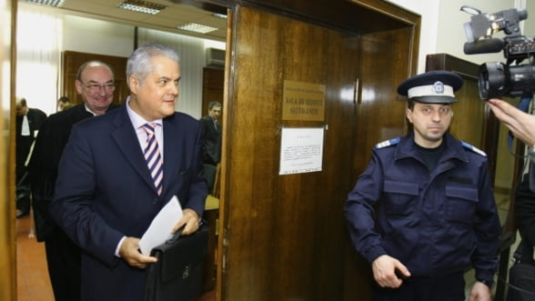 Instanta a decis: Adrian Nastase poate fi eliberat conditionat