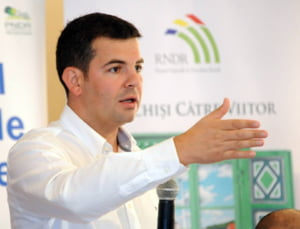 Instanta a decis: Poprire pe banii lui Daniel Constantin, in contul datoriei catre Dan Voiculescu