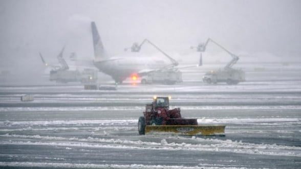 Intarzieri pe aeroporturile din Romania din cauza conditiilor meteo