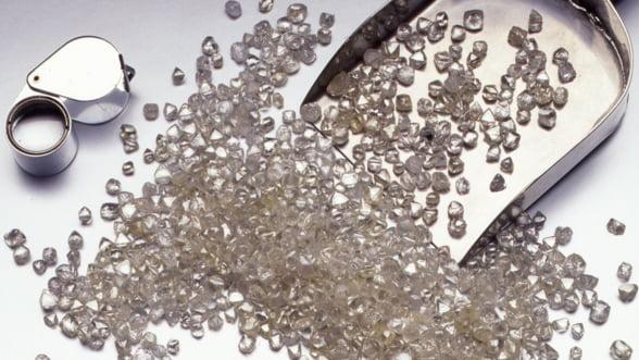 Invata cum sa investesti in diamante