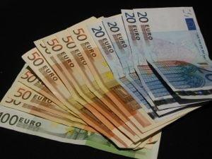 Investitiile straine directe in Europa, cu 31% mai putine