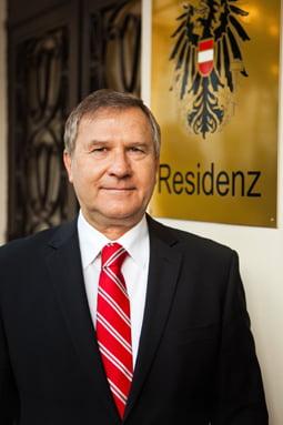 Investitorii germani si austrieci dezbat luni provocarile mediului de afaceri romanesc