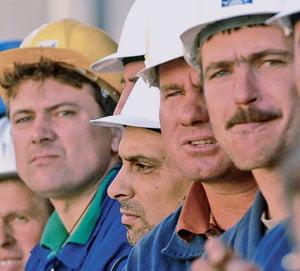 Investitorii straini pleaca din Polonia in Romania, pentru forta de munca ieftina