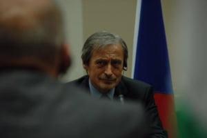 Ipoteza naucitoare a unui ministru din UE: Valul de refugiati, finantat de Rusia