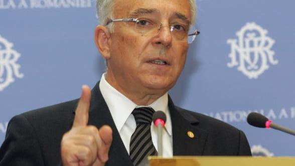Isarescu: Bancile trebuie sa scada repede dobanzile la credite. Este in interesul lor
