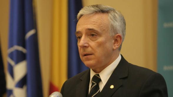 Isarescu: Criza aduce o reinnoire a mediului de afaceri din Romania