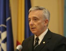 """Isarescu: Cursul de schimb din urma cu doua saptamani """"cam"""" reflecta fundamentele macroeconomice"""