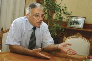 Isarescu: Nu prea intelegem logica miscarii la preturile combustibililor interni
